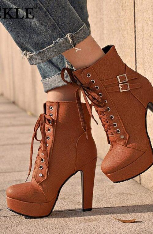 'Womanizer' Boots med Klackar