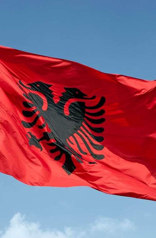 Albaniens Flagga (90cm x 150cm)